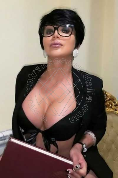 Monica POLIGNANO A MARE 3802129358
